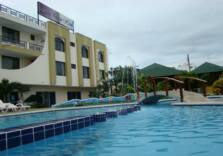 Pool and Restaurant Hotel SunPalace